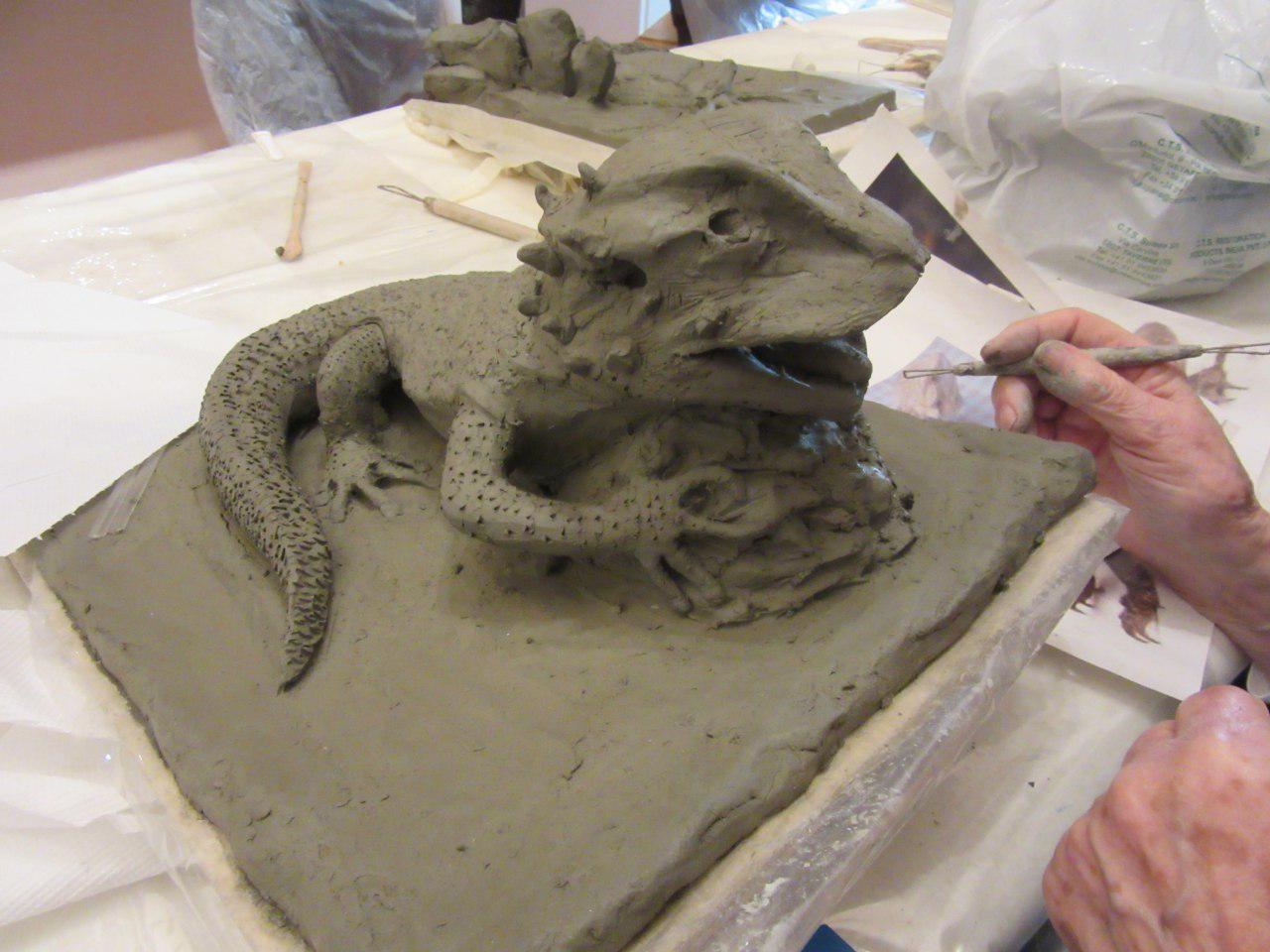 corso di modellatura con argilla